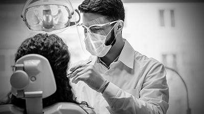 pessoas-com-periodontite-e-covid-19 loyola e avellar covid - 19 clinica médica em curitiba